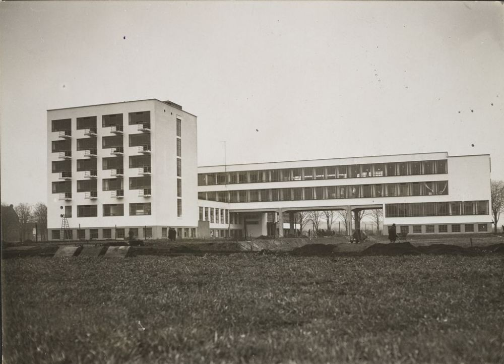 unidentified-photographer-bauhaus-building-dessau-1925-1926-view-from-northeast-before-completion-architect-walter-gropius-c-1926-gelatin-silver-print-sheet-11-9-x-16-5-cm.jpg