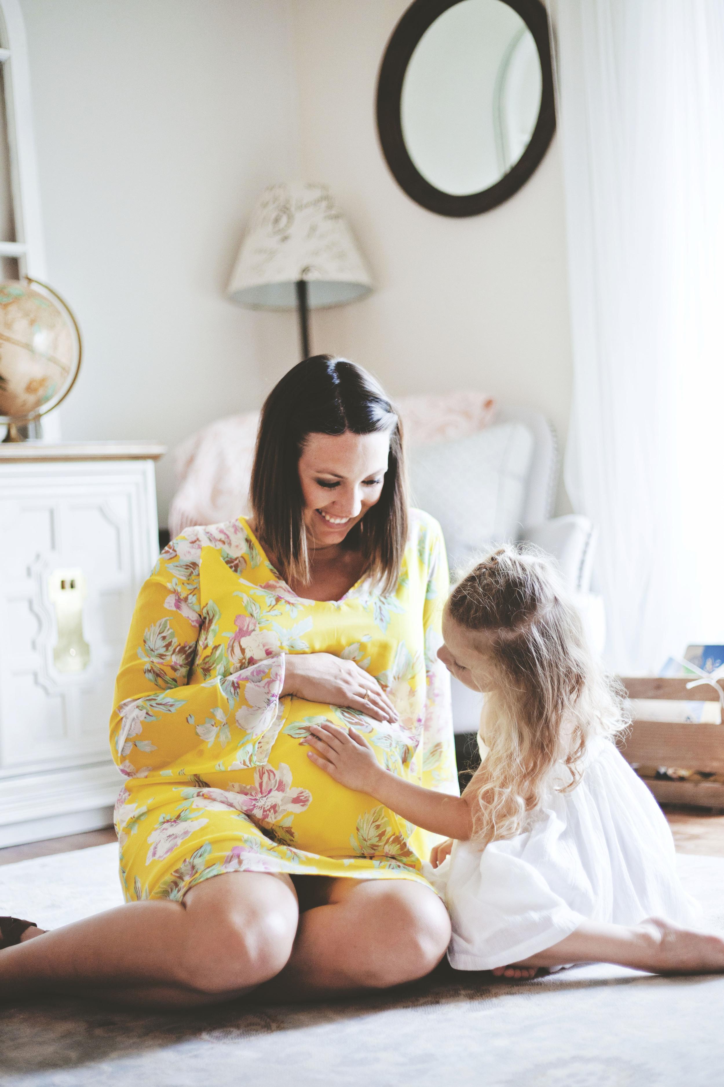 Maternity Photoshoot With Pinkblush