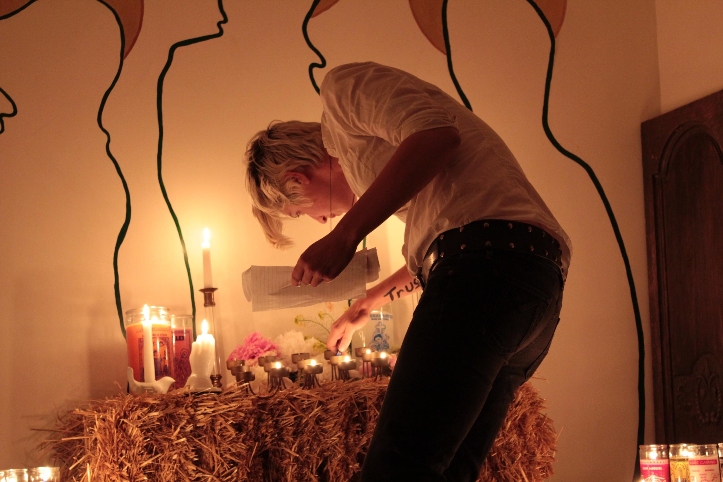 Altar2.JPG