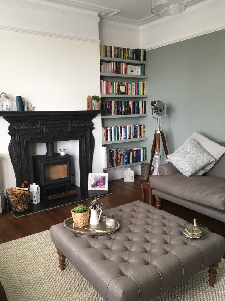 Lounge completed with Benjamin Moore paints in Old town, Swindon