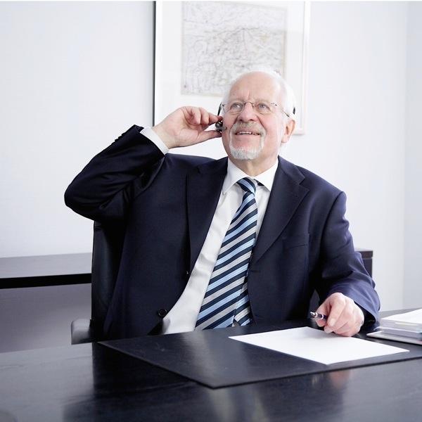 Dr. Helmut Hoffmeister