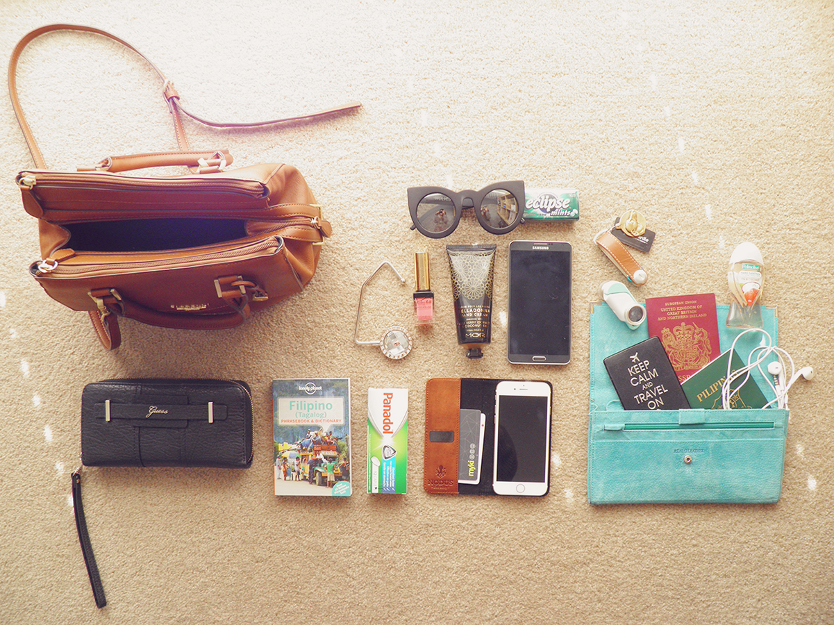 What to bring in your handbag for a flight