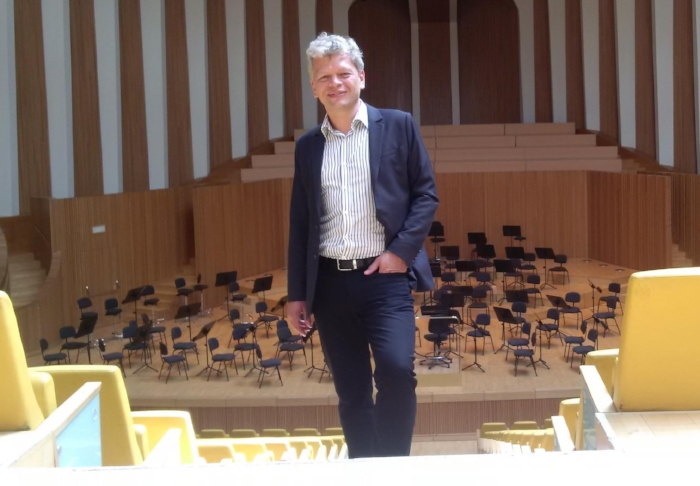 The success is due, to a great part, to the high level of orchestra playing, the professional quality of the video recordings and to Achim Holub's, one of today's most successful conducting teachers, coaching skills. -