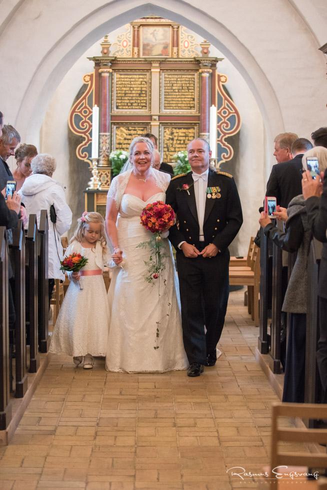 Farum-Kirke-Furesø-Marina-Bryllupsbilleder-bryllupsfotograf-109.jpg