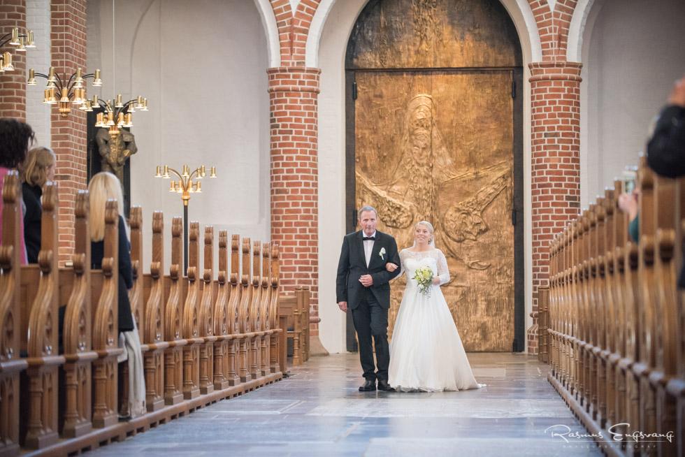 Roskilde-Domkirke-Bryllupsbilleder-bryllupsfotograf-108.jpg