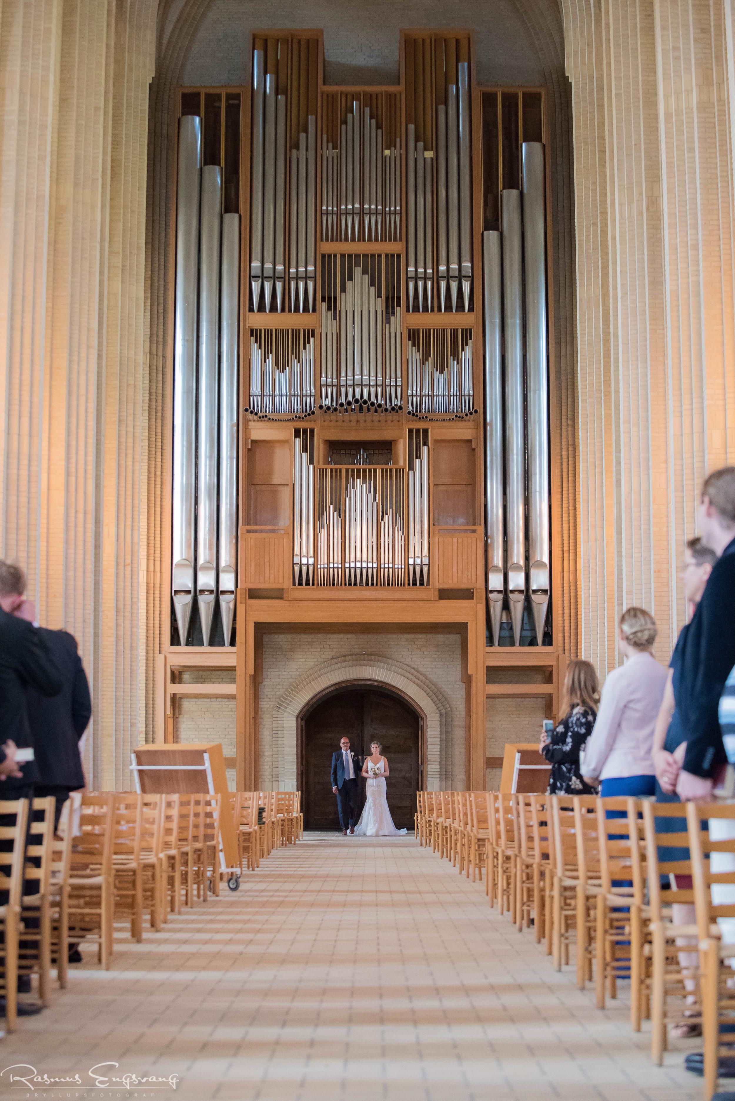 Grundtvigs_Kirke_Bryllupsfotograf-København_Sjælland-204.jpg