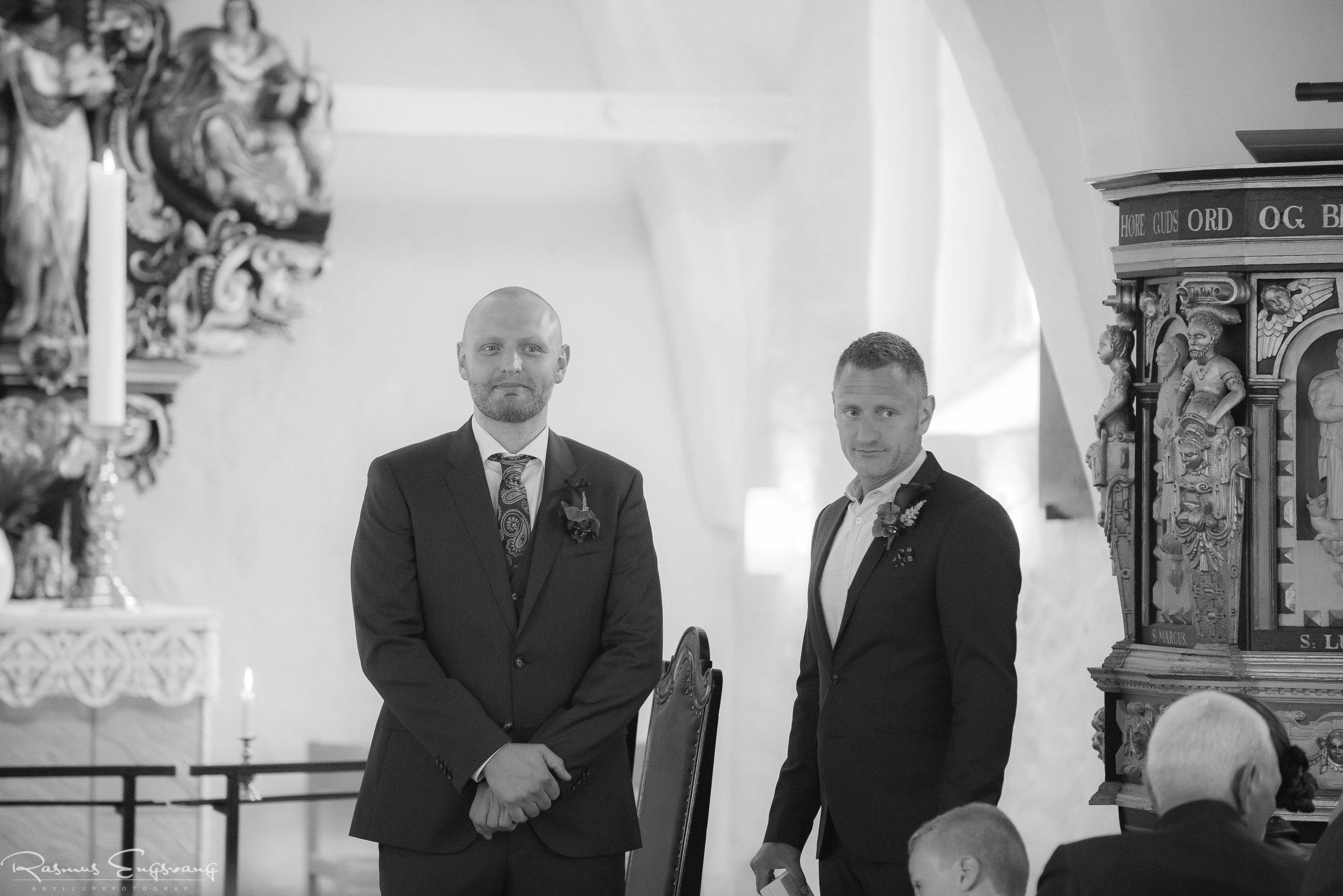 Bryllupsfotograf-København_Sjælland-Ølstykke-103.jpg