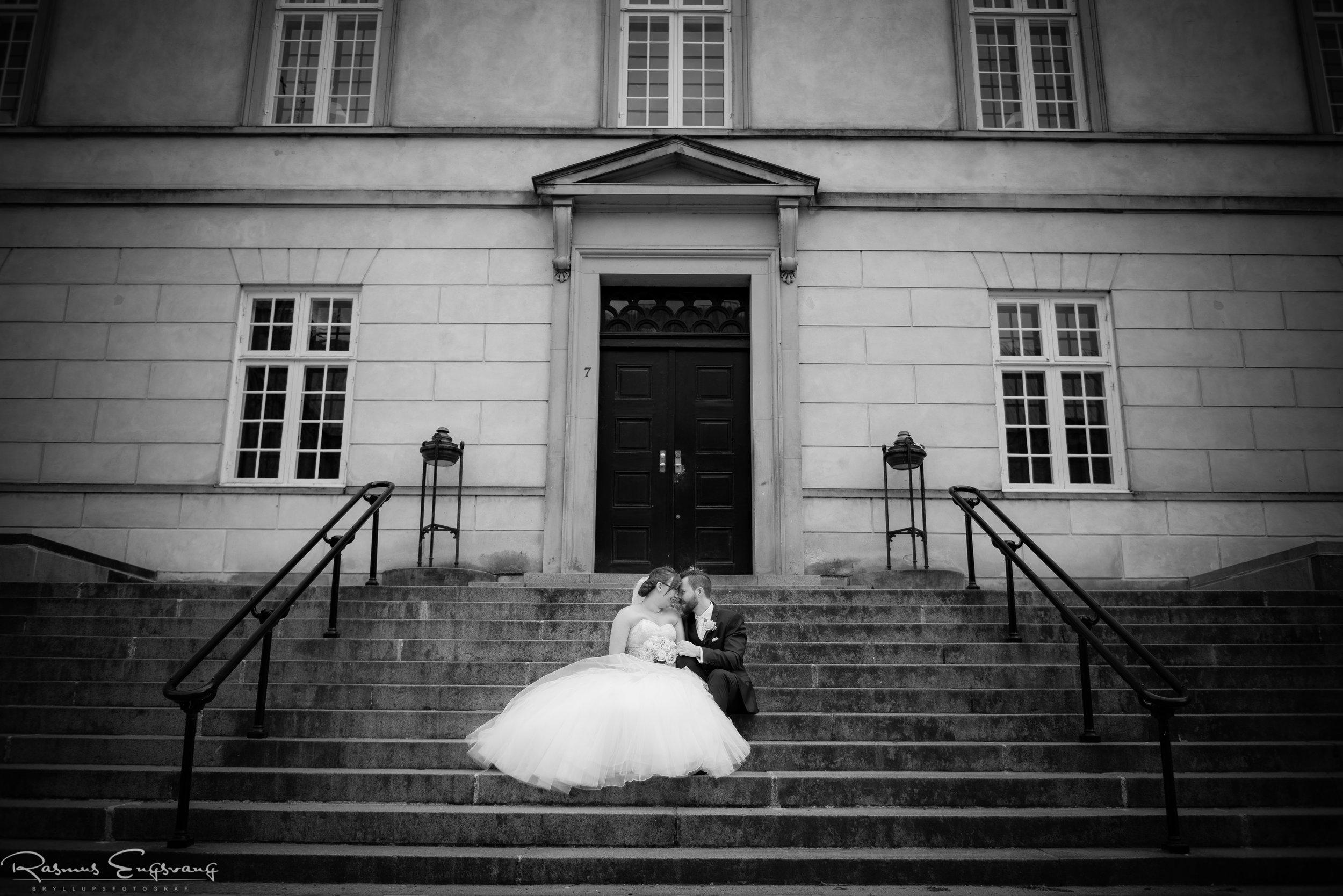 Bryllupsfotograf_Brudepar_Trappe.jpg