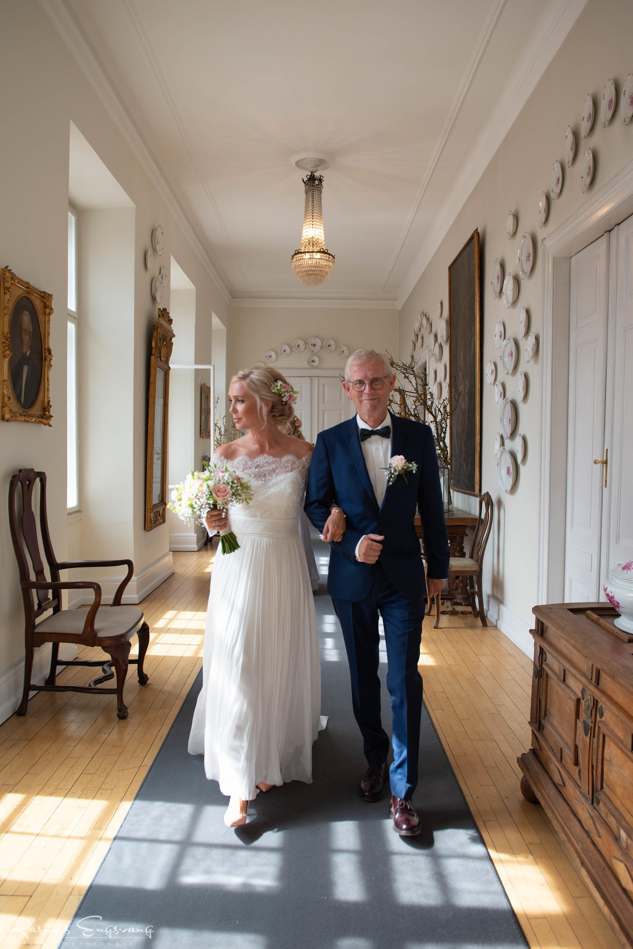 Bryllupsfotograf_Holckenhavn_Slot_Bryllup-209.jpg