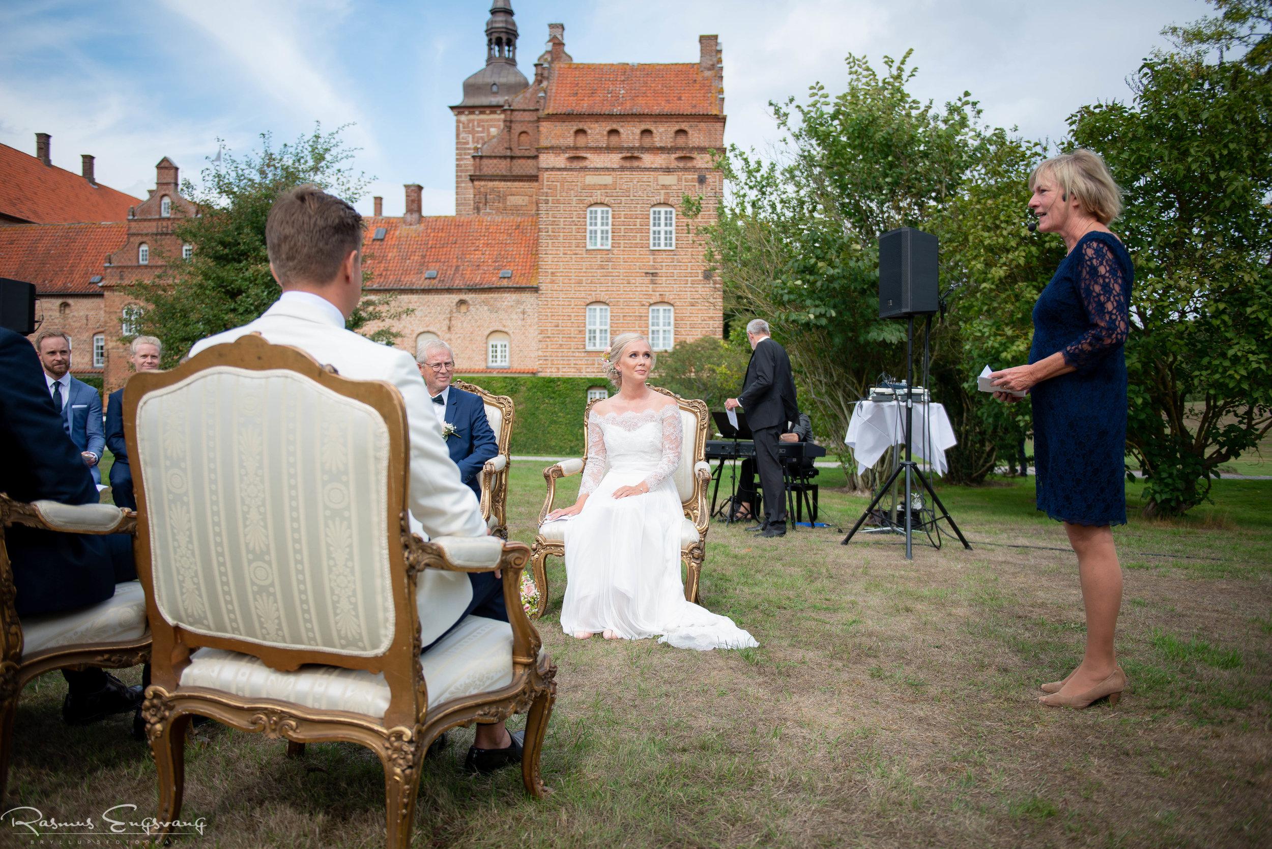 Bryllupsfotograf_Holckenhavn_Slot_Bryllup-221.jpg