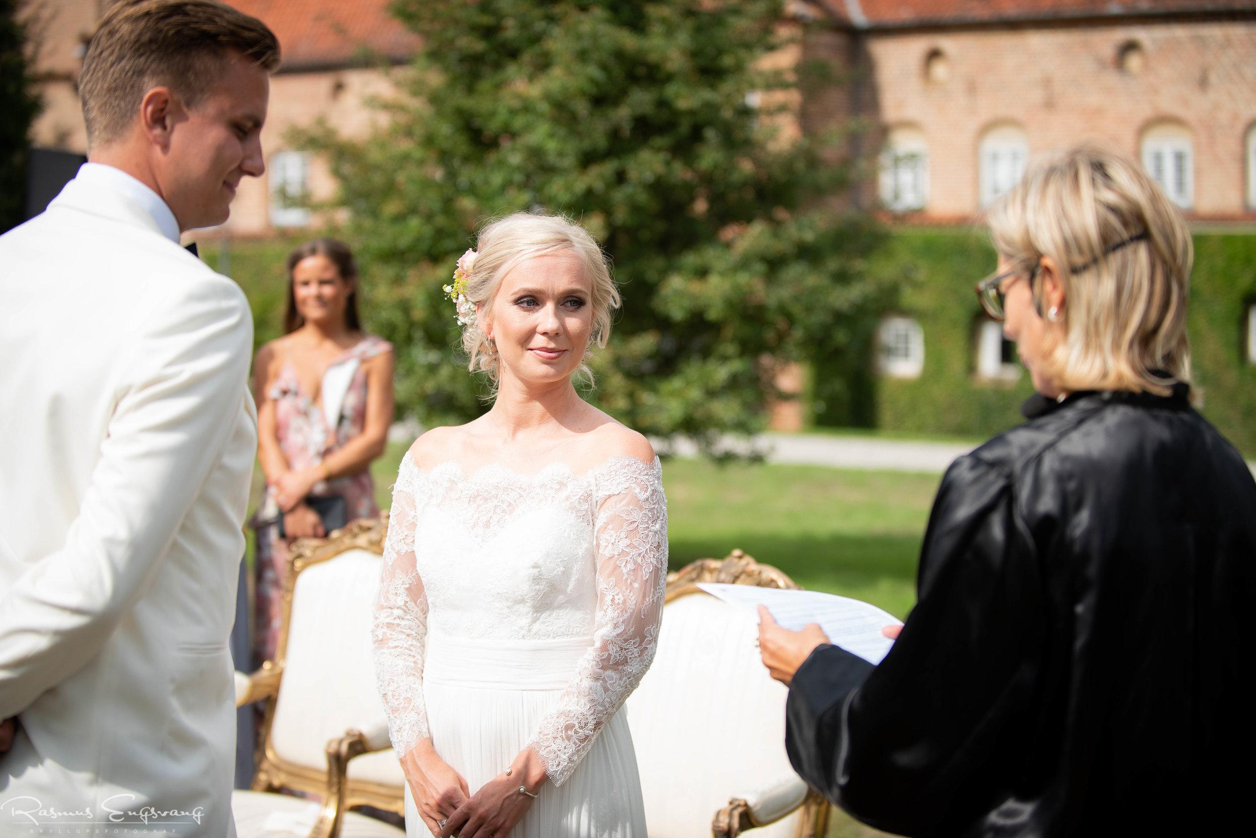 Bryllupsfotograf_Holckenhavn_Slot_Bryllup-230.jpg