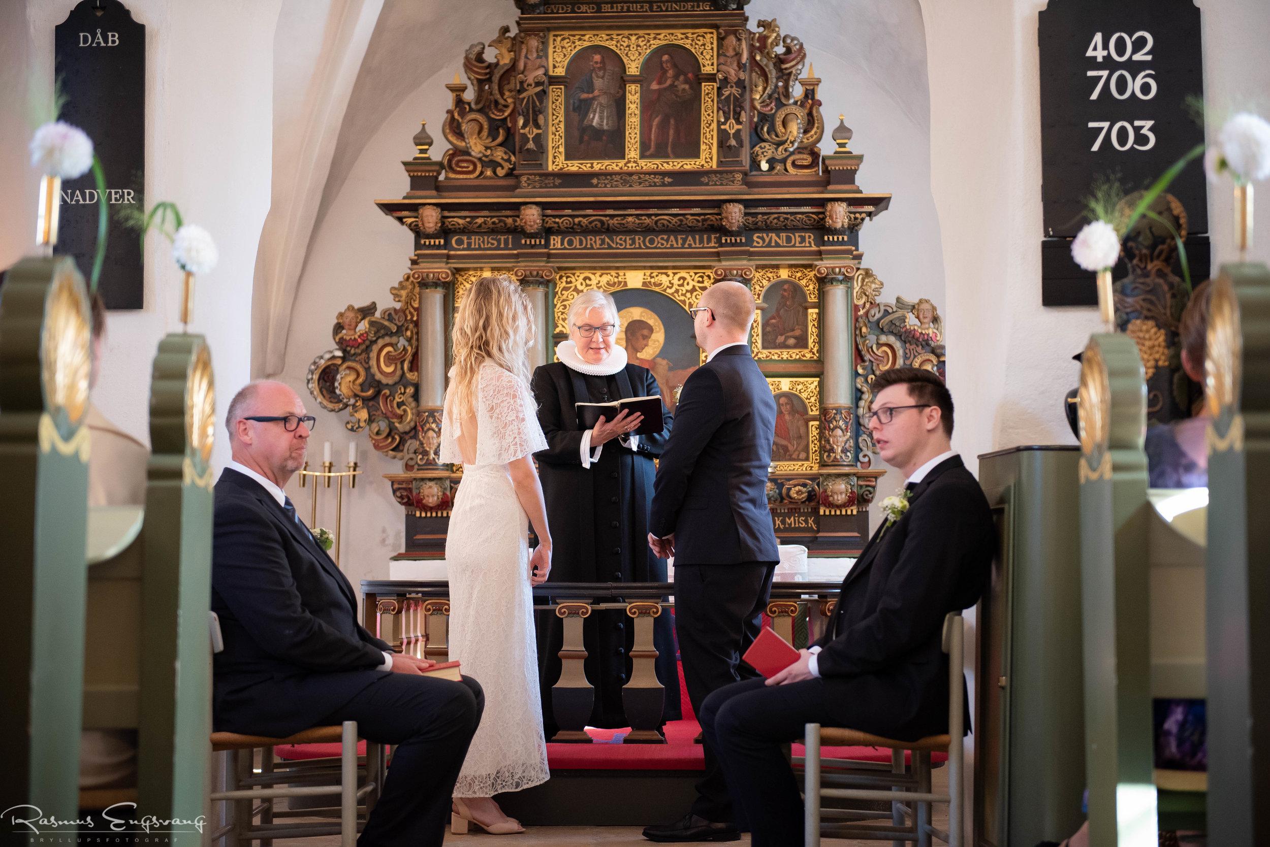 Tunegård_Bryllup_Bryllupsfotograf_Sjælland_Tune_Kirke-110.jpg