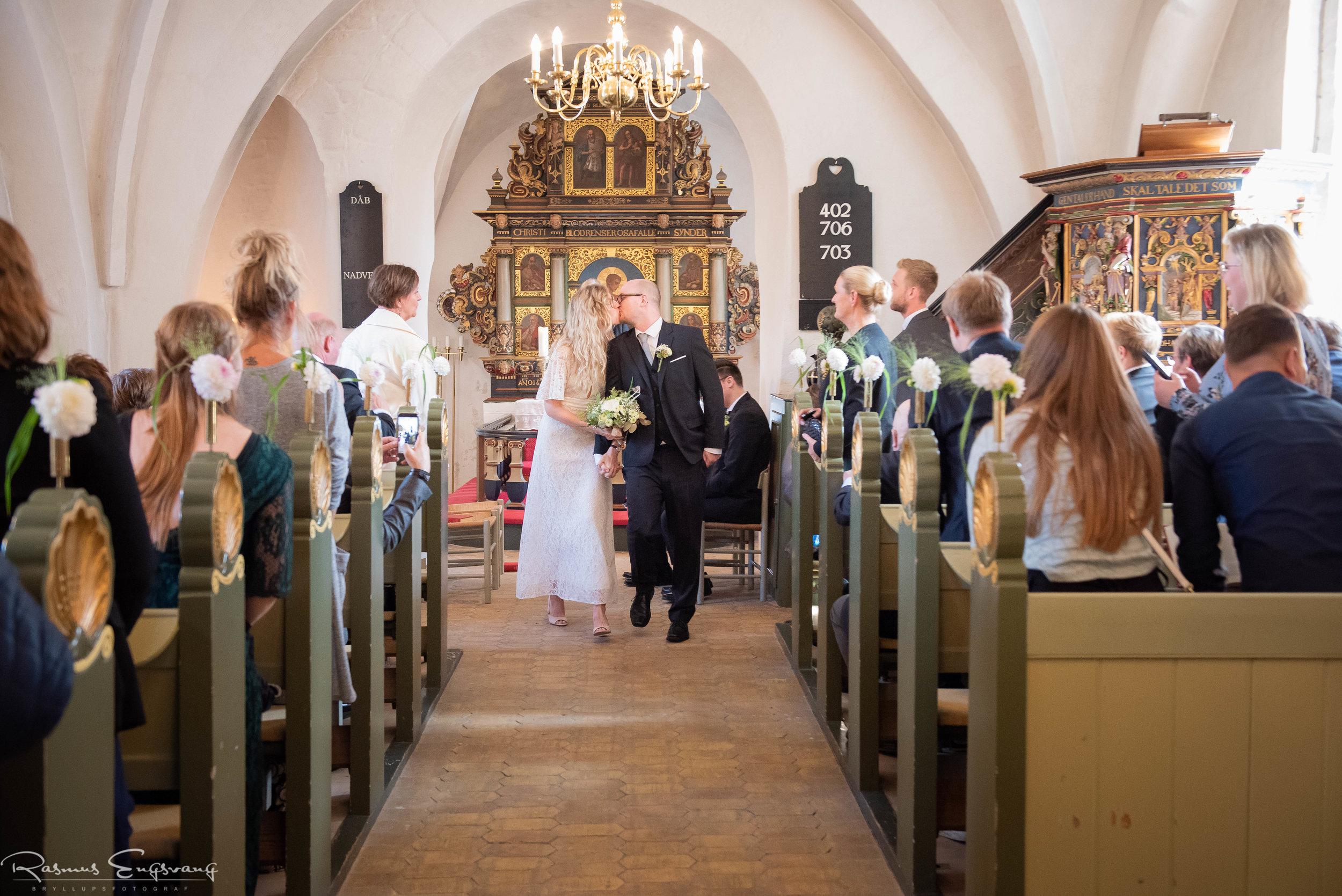 Tunegård_Bryllup_Bryllupsfotograf_Sjælland_Tune_Kirke-116.jpg