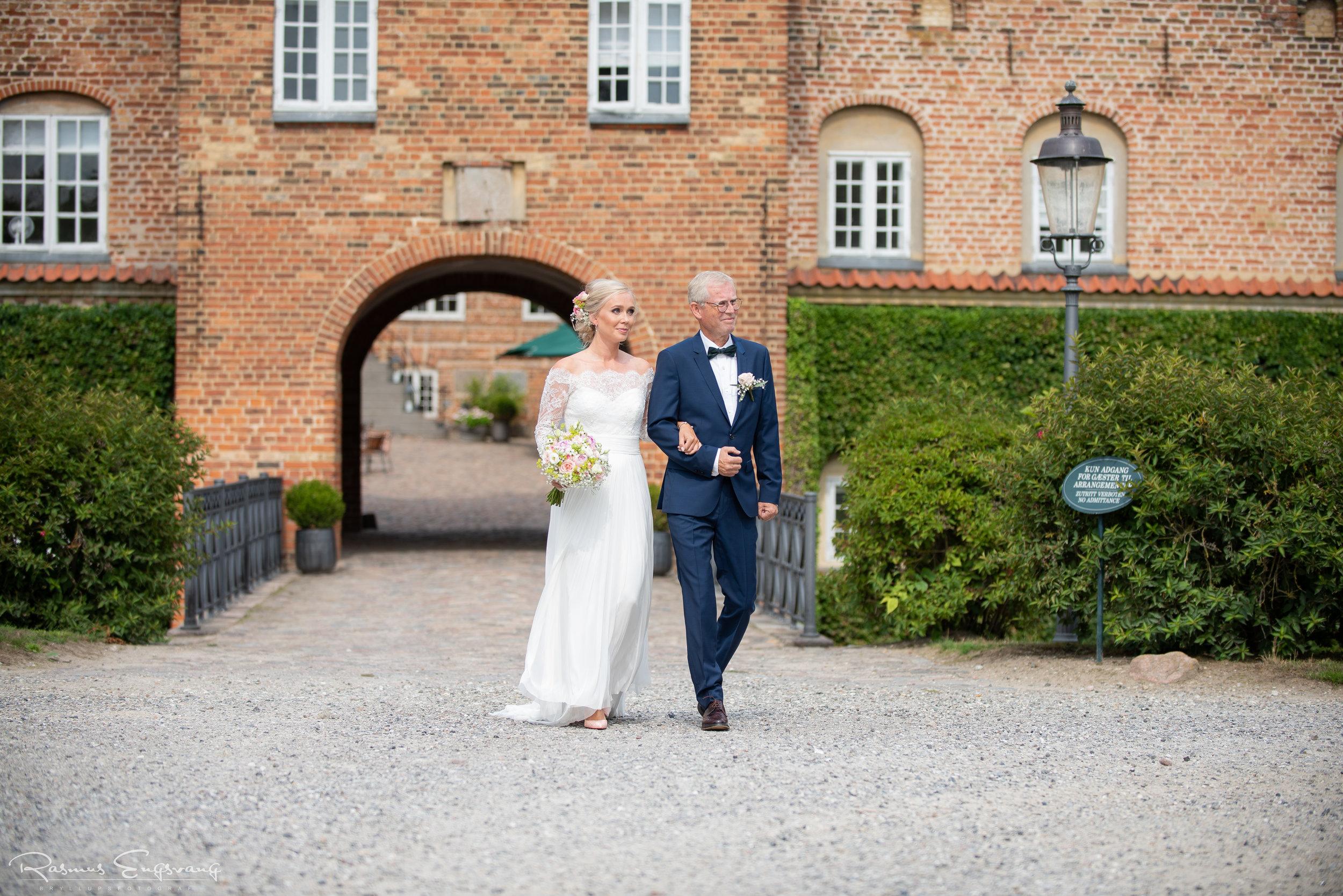 Bryllupsfotograf_Holcken_Havn_Slot_Nyborg-210.jpg