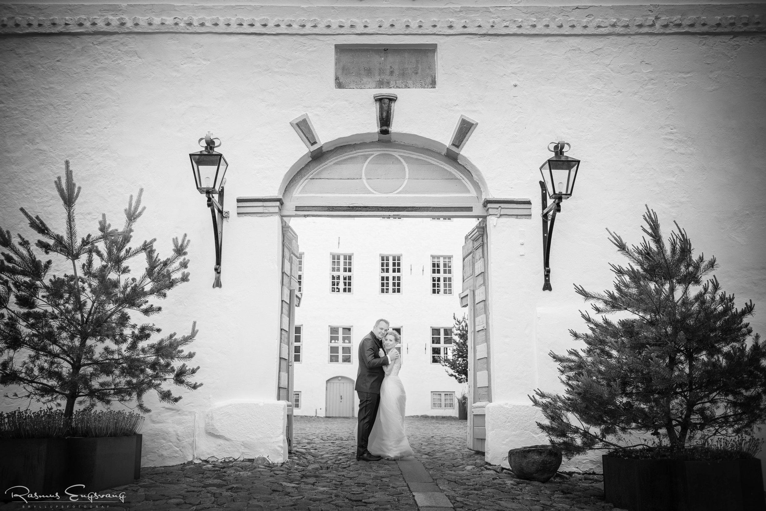 Dragsholm_Slot_Slotsbryllup_Bryllupsfotograf-417.jpg