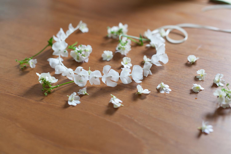 simple-boho-wedding-daisy-hydrangea-flower-crown-hair-vine