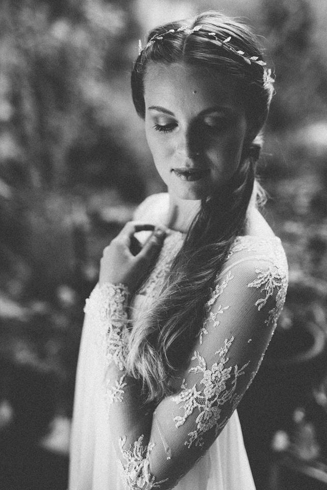 elfenkleid-brautkleider-blackbirdspearl-brautaccessoires-moderne-romantische-Hochzeit-Kopfschmuck