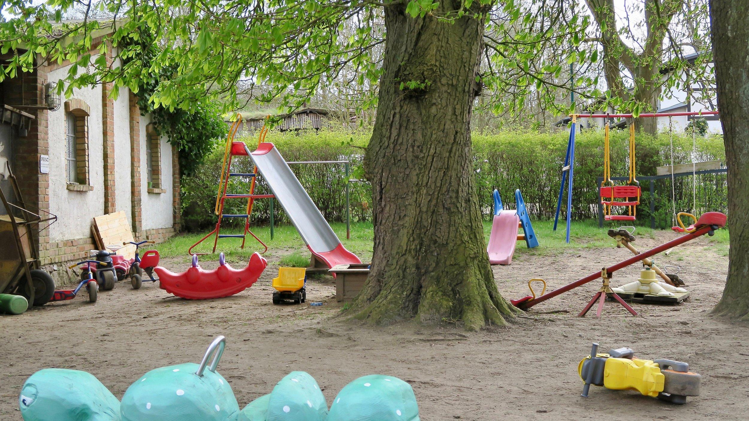 Urlaub Ostsee Pension Schmelzer Galerie 30 Spielplatz.jpg