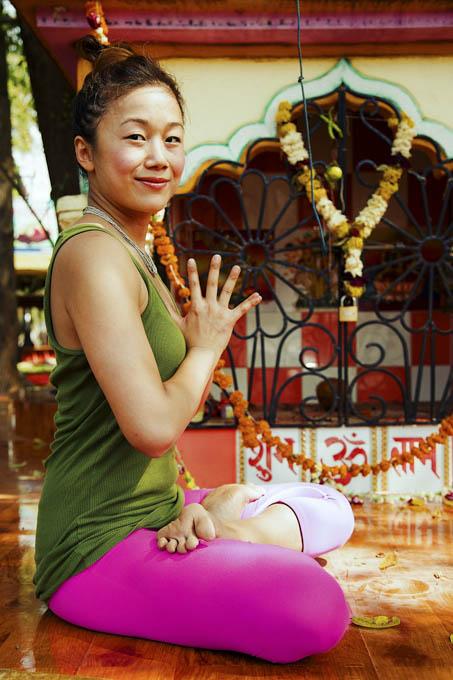 Jaime-Tan-ashtanga-yoga-theprimerose-photography-by-Rosa-Tagliafierro-4368.jpg