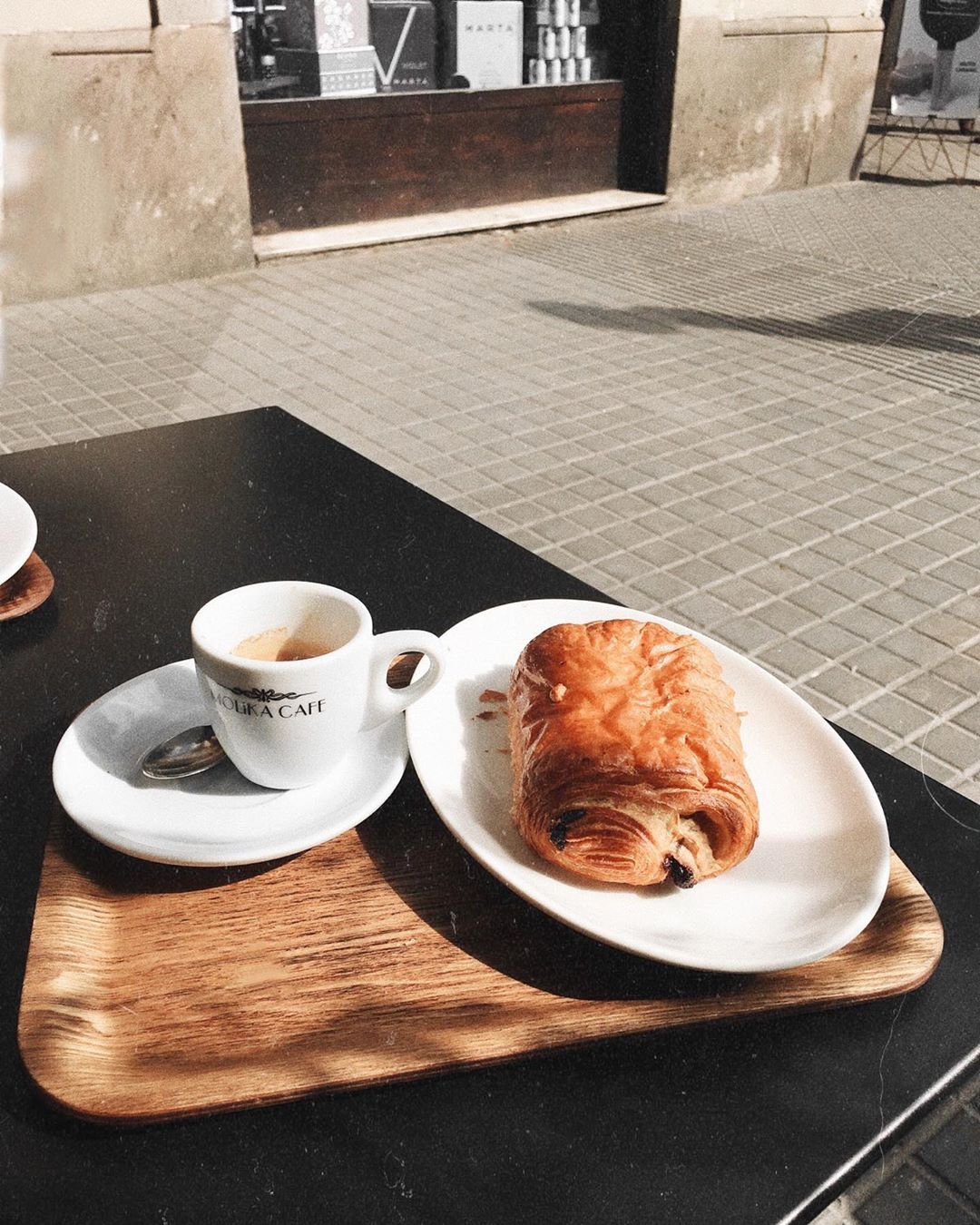 taraleighrose-barcelona-cafe-taraleigh-fashion-influencer