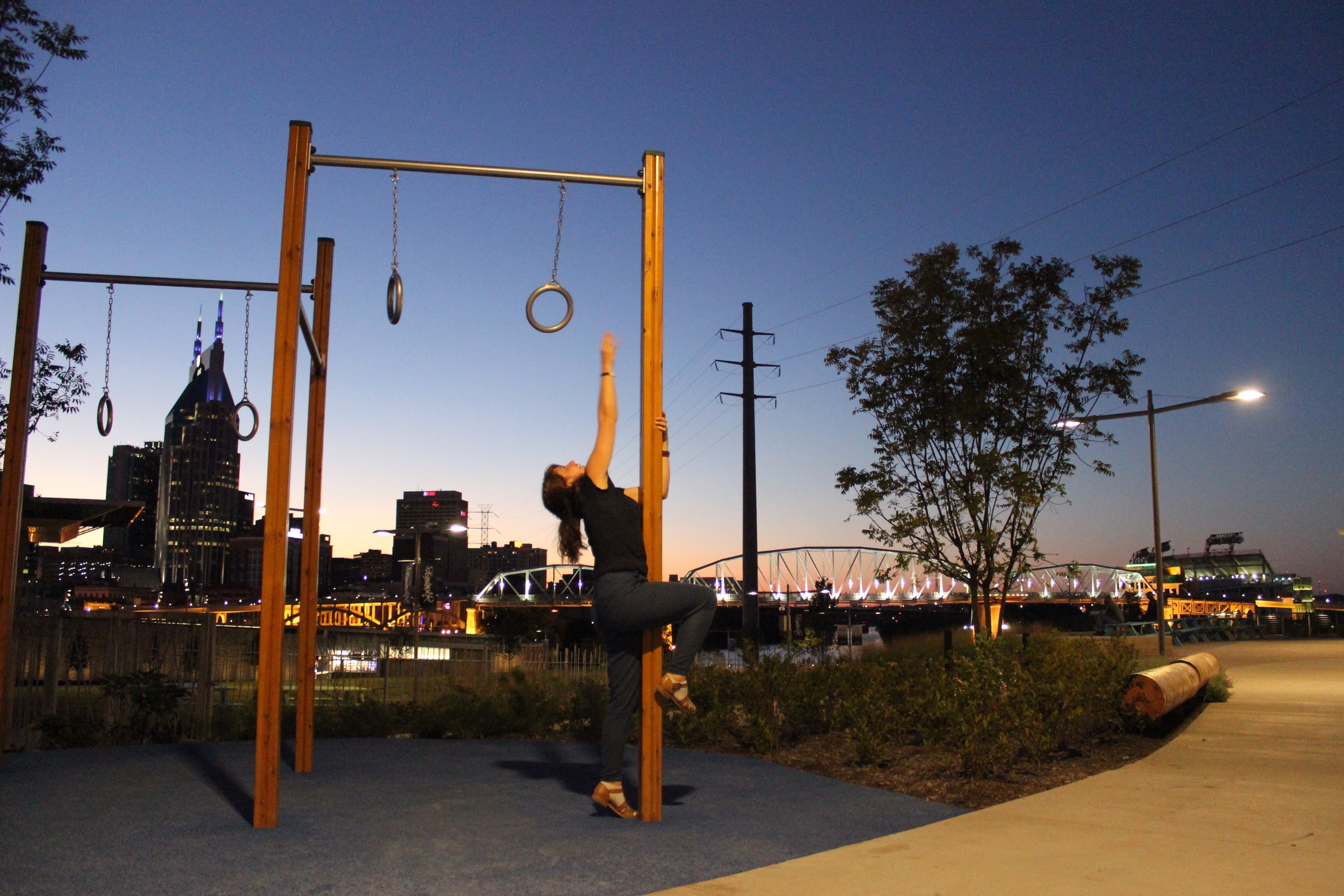 Nashville skyline with a free outdoor gym ...and Georgia struggling with height issues