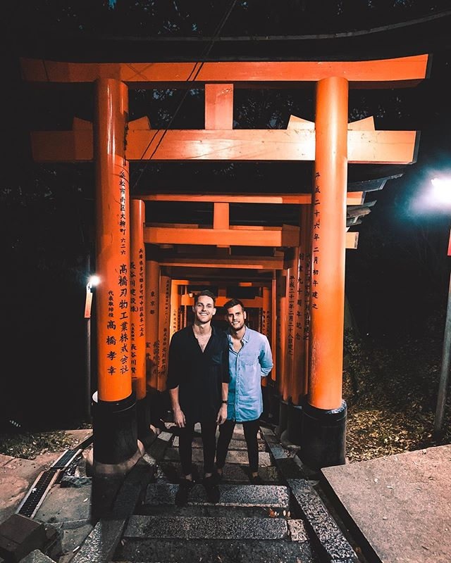 Standing a step above Rilzdaddy so that I look tall AF for once next to him. Fun fact, this is the very spot where this emoji originated from ⛩⛩⛩ #bigdaddy #kyoto #japan