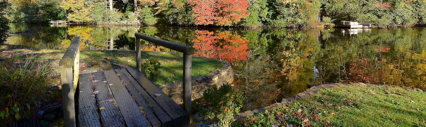 highlands-nc-fall-season.jpg