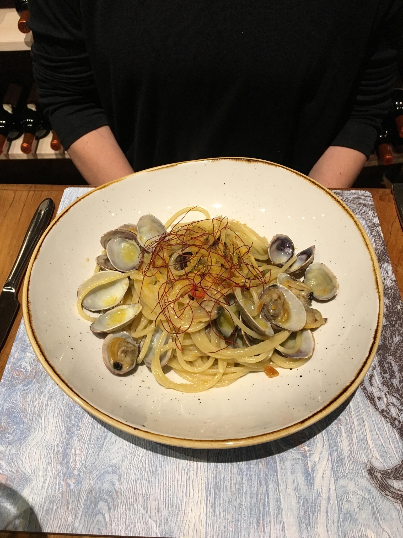 spaghetti-clams-italy.jpg
