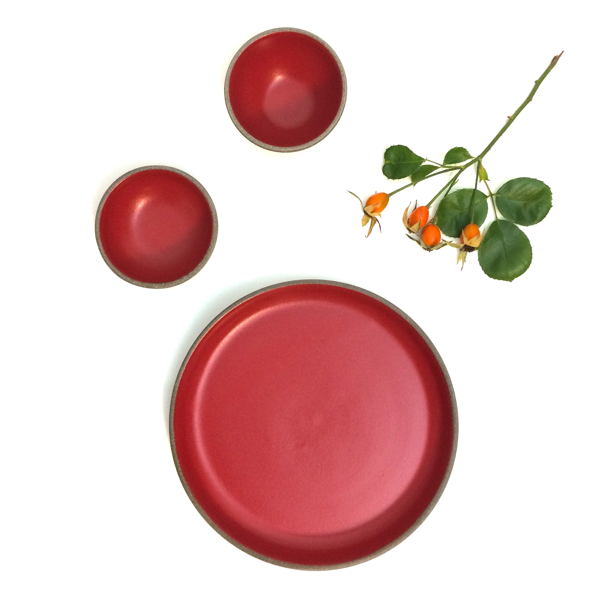 Chilli Red Collection - plates & bowls