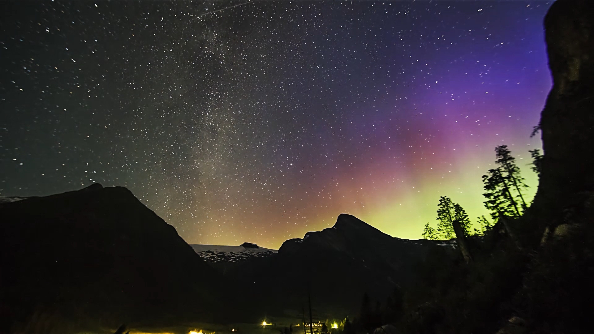 Northern lights in late summer