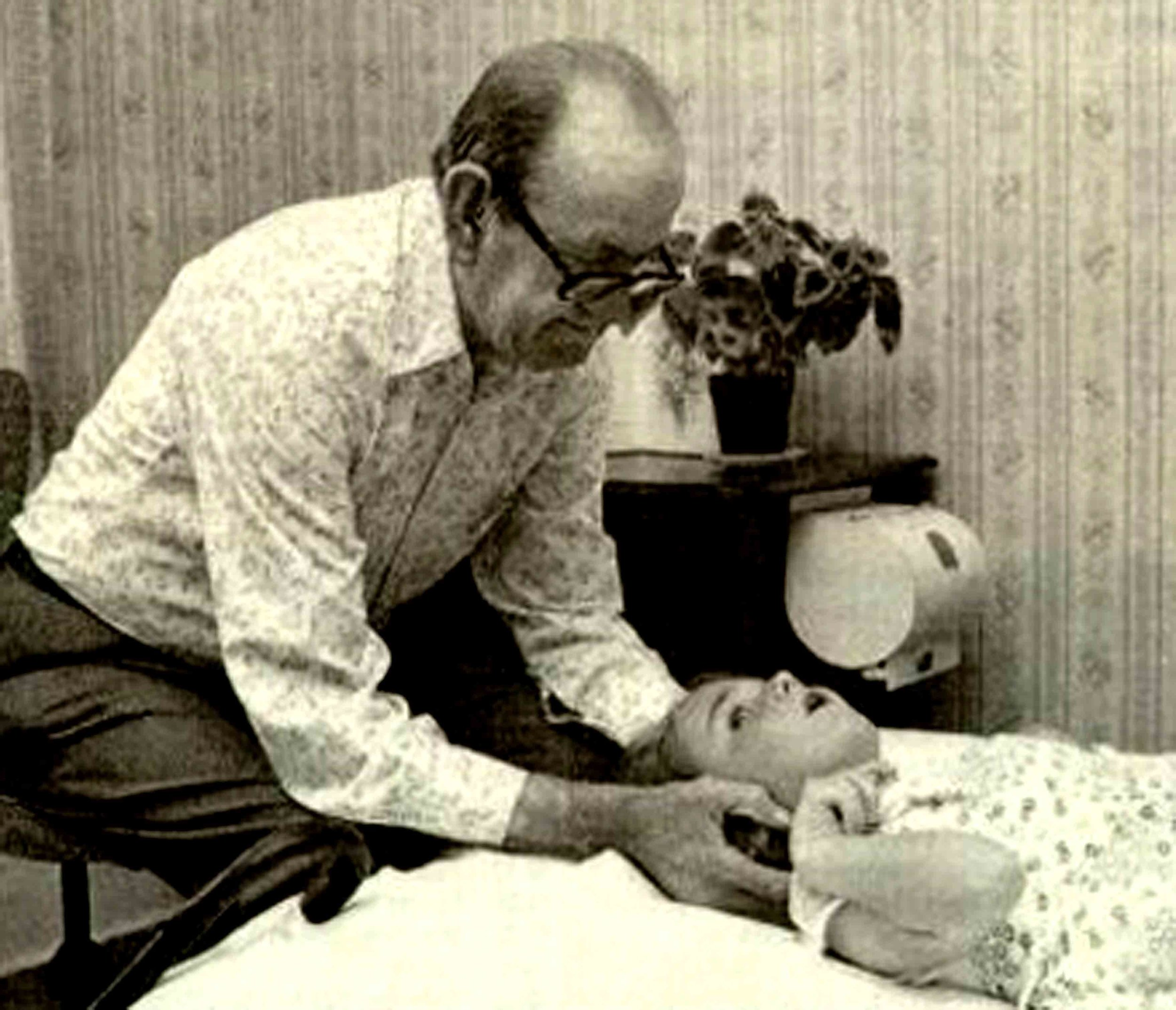 Tom Bowen, founder of Bowen therapy