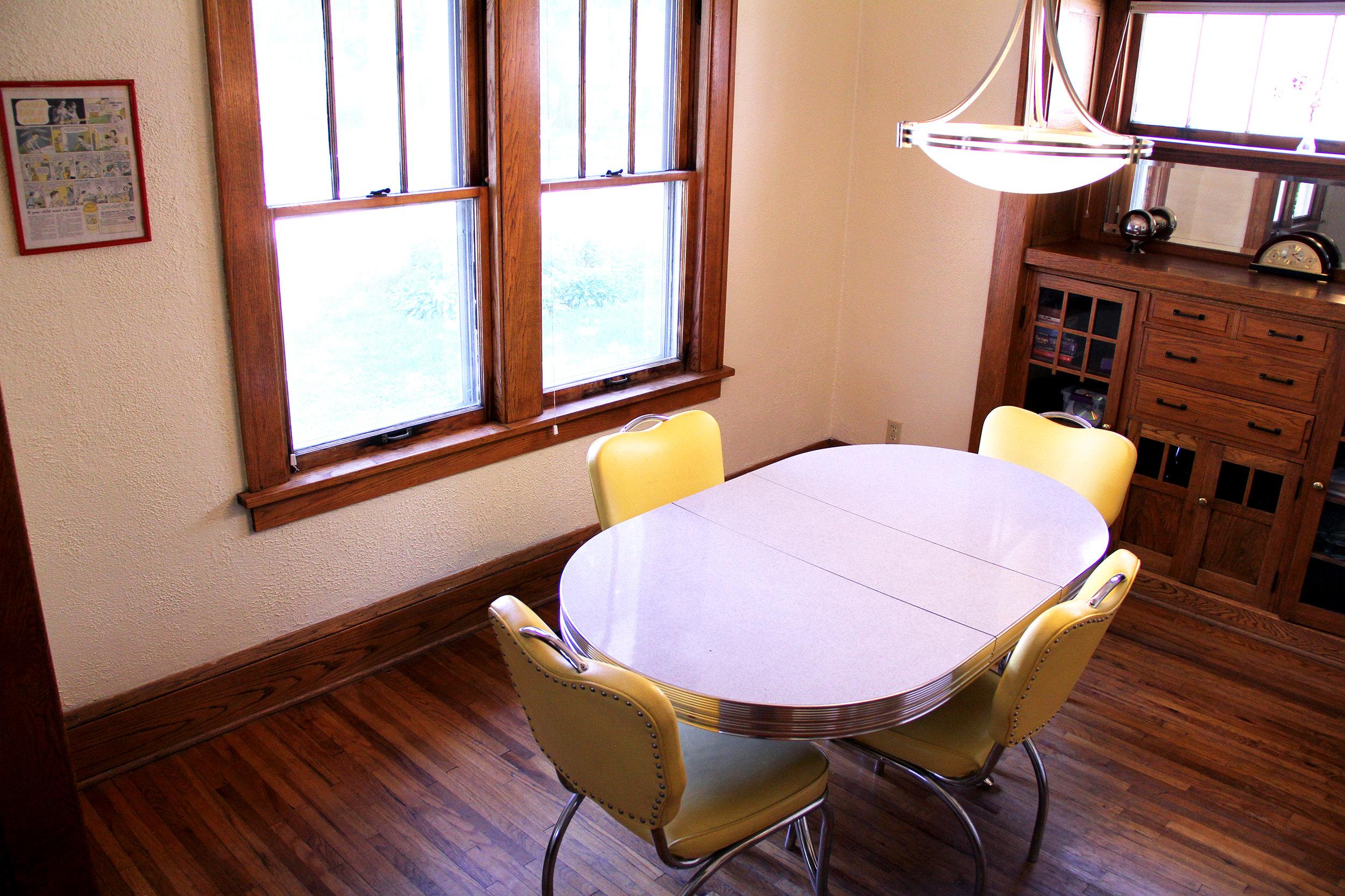 dining-room_27740781405_o.jpg