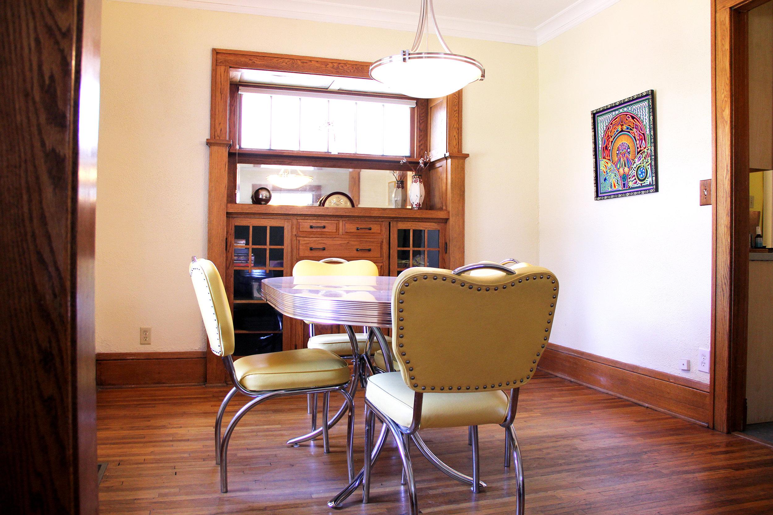 dining-room_27740782035_o.jpg