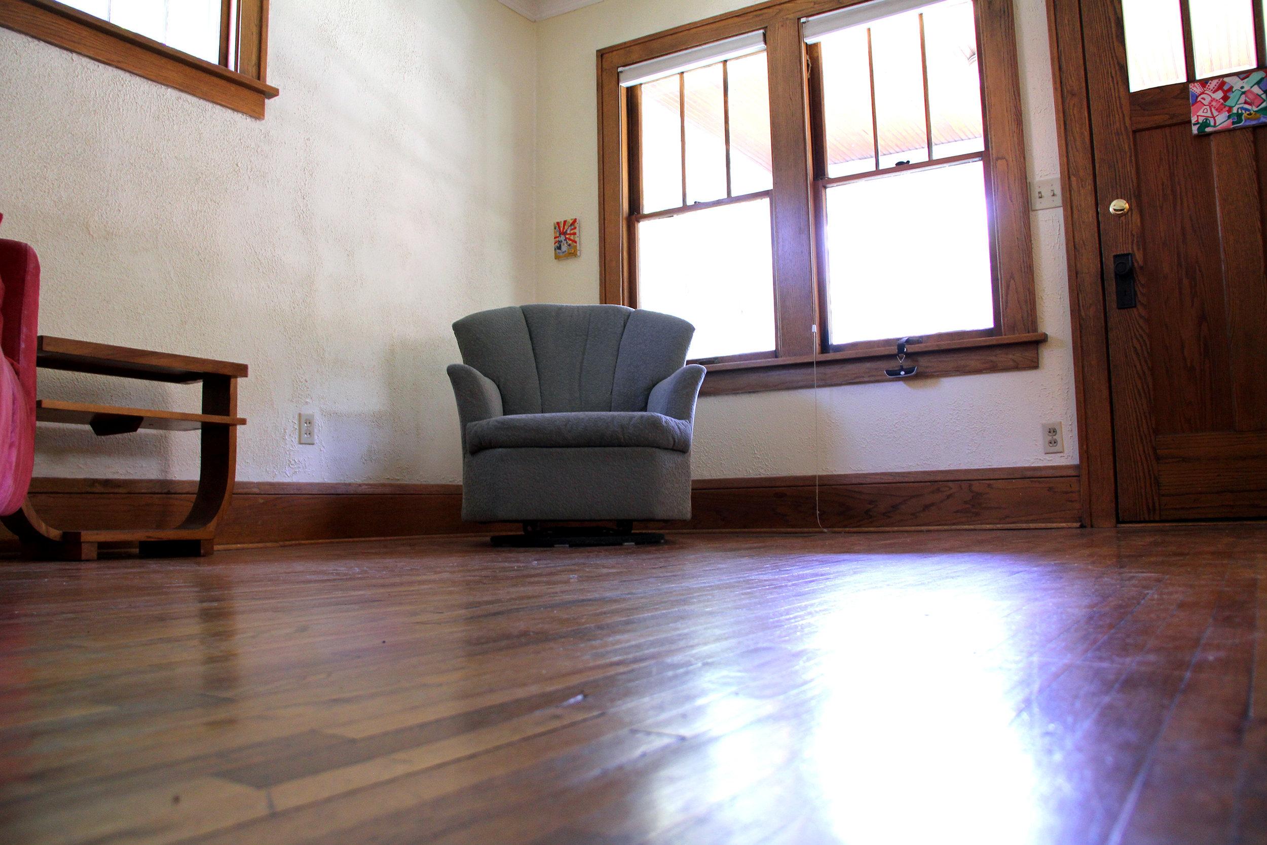 living-room_27130014753_o.jpg