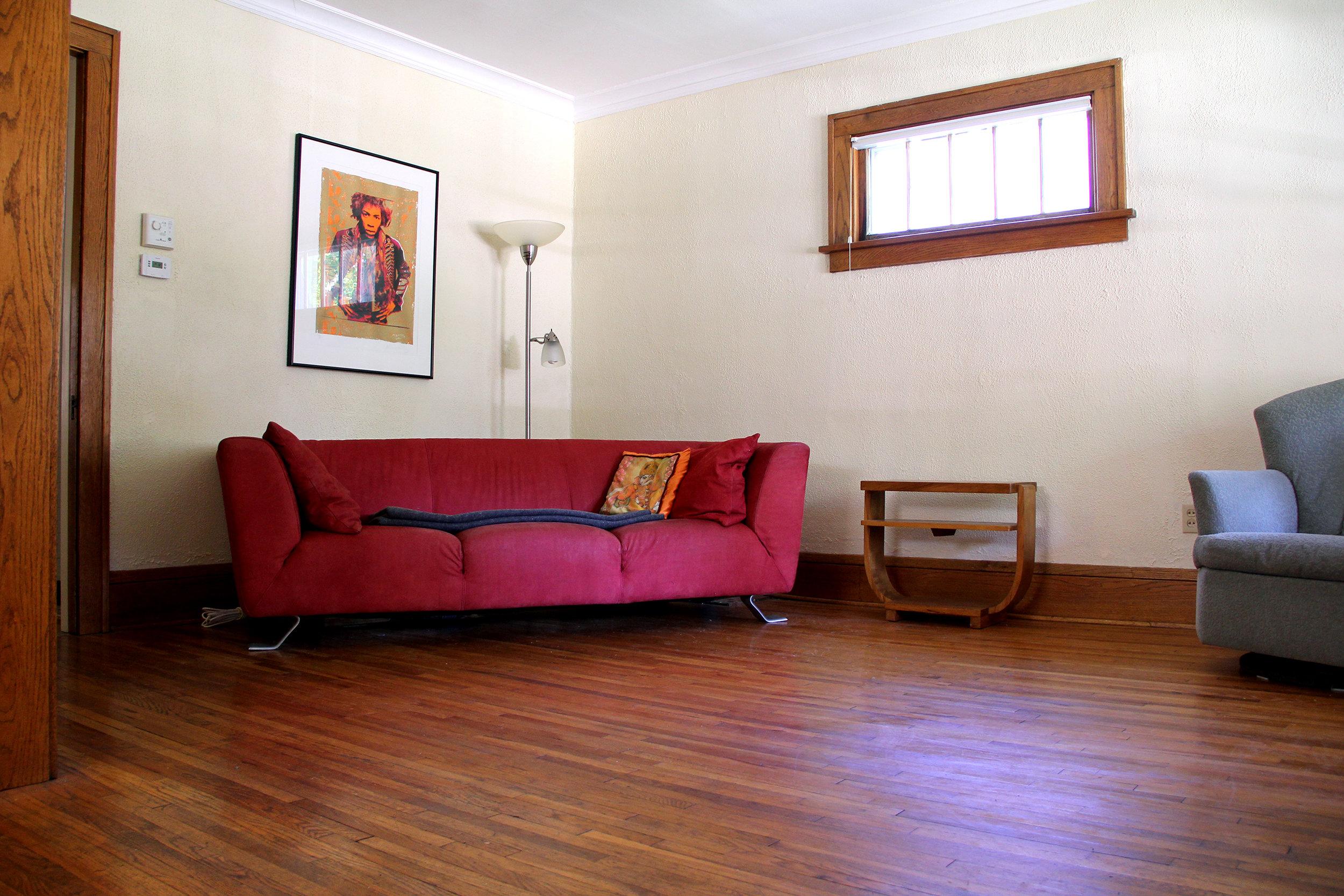 living-room_27130014323_o.jpg