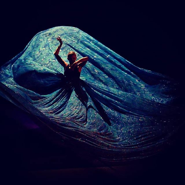#repost from @summerovs -  This was one of my favorite projects with @tasham5. I love working with you my friend.  Photo credit: @circeadena #flashbackfriday #dancingwithfriends #thewaterdress #dancer #ballet #comtemporary #movingart #danceinredding #thisisredding - #regrann