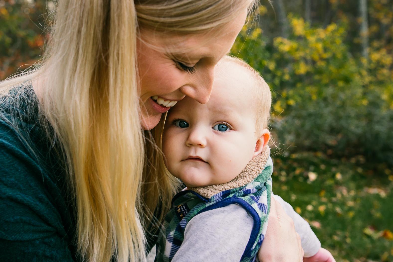 mom-baby-charlotte-family-photographer
