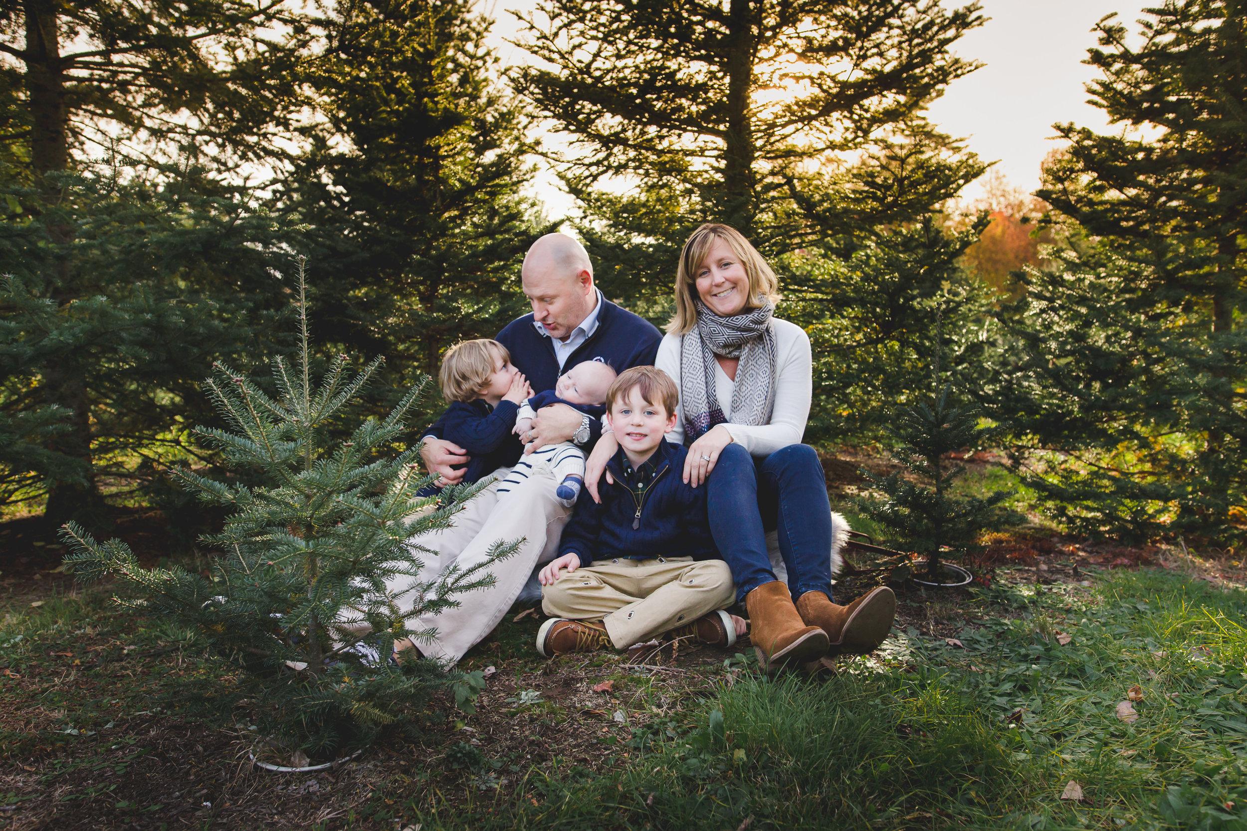 holiday-tree-farm-charlotte-family-photographer
