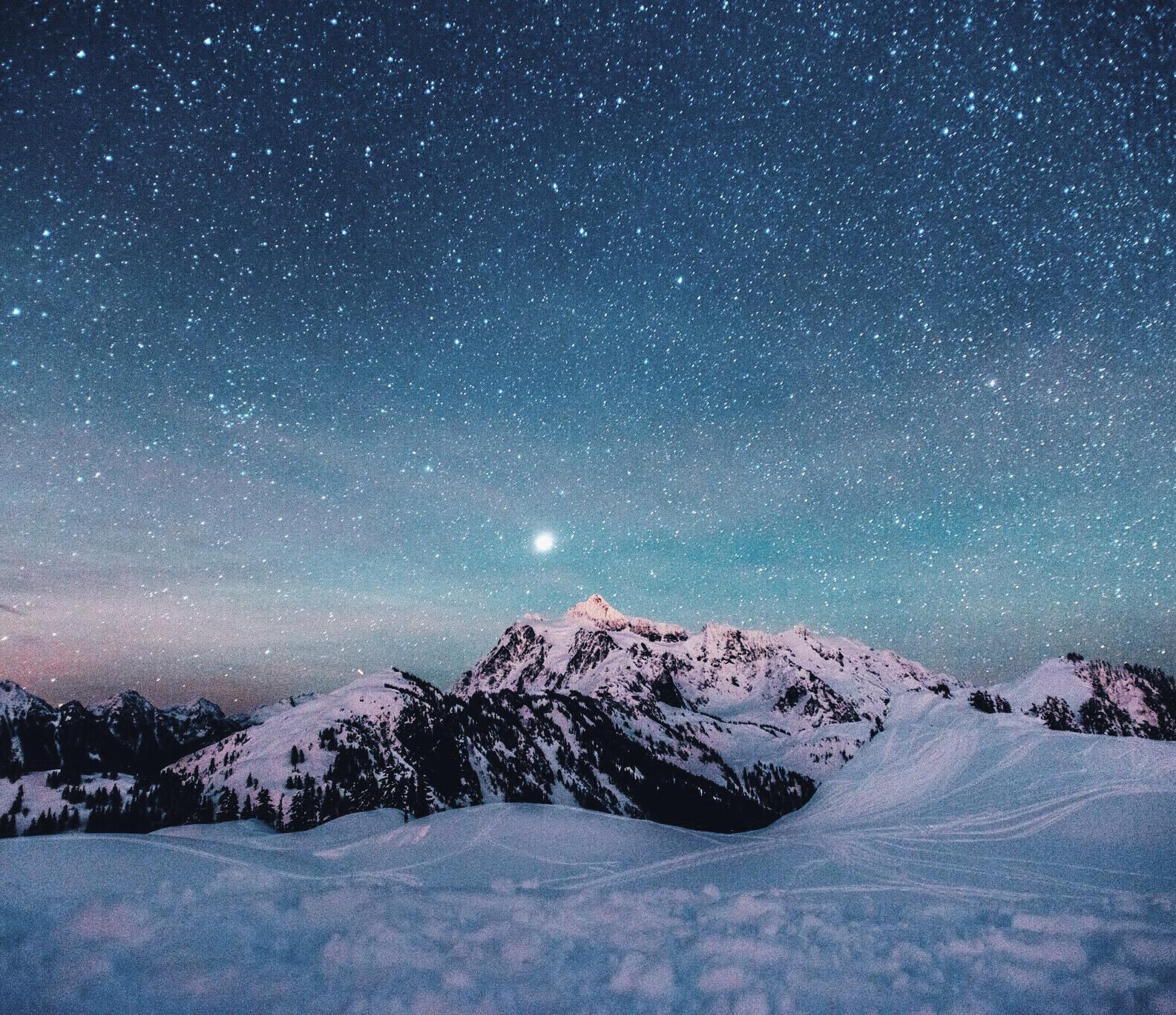 Mt. Shuksan at around midnight