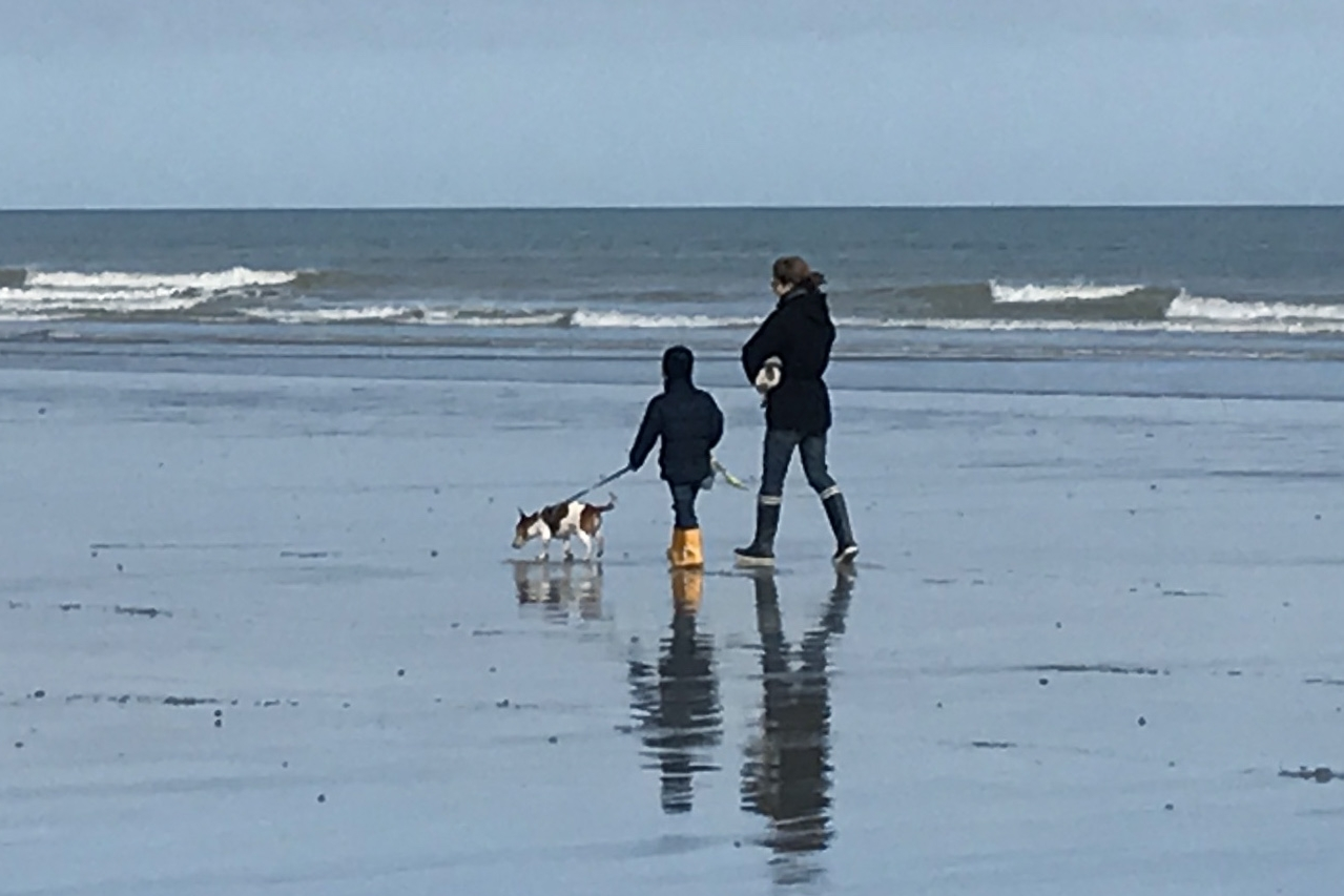 beach walking.jpg