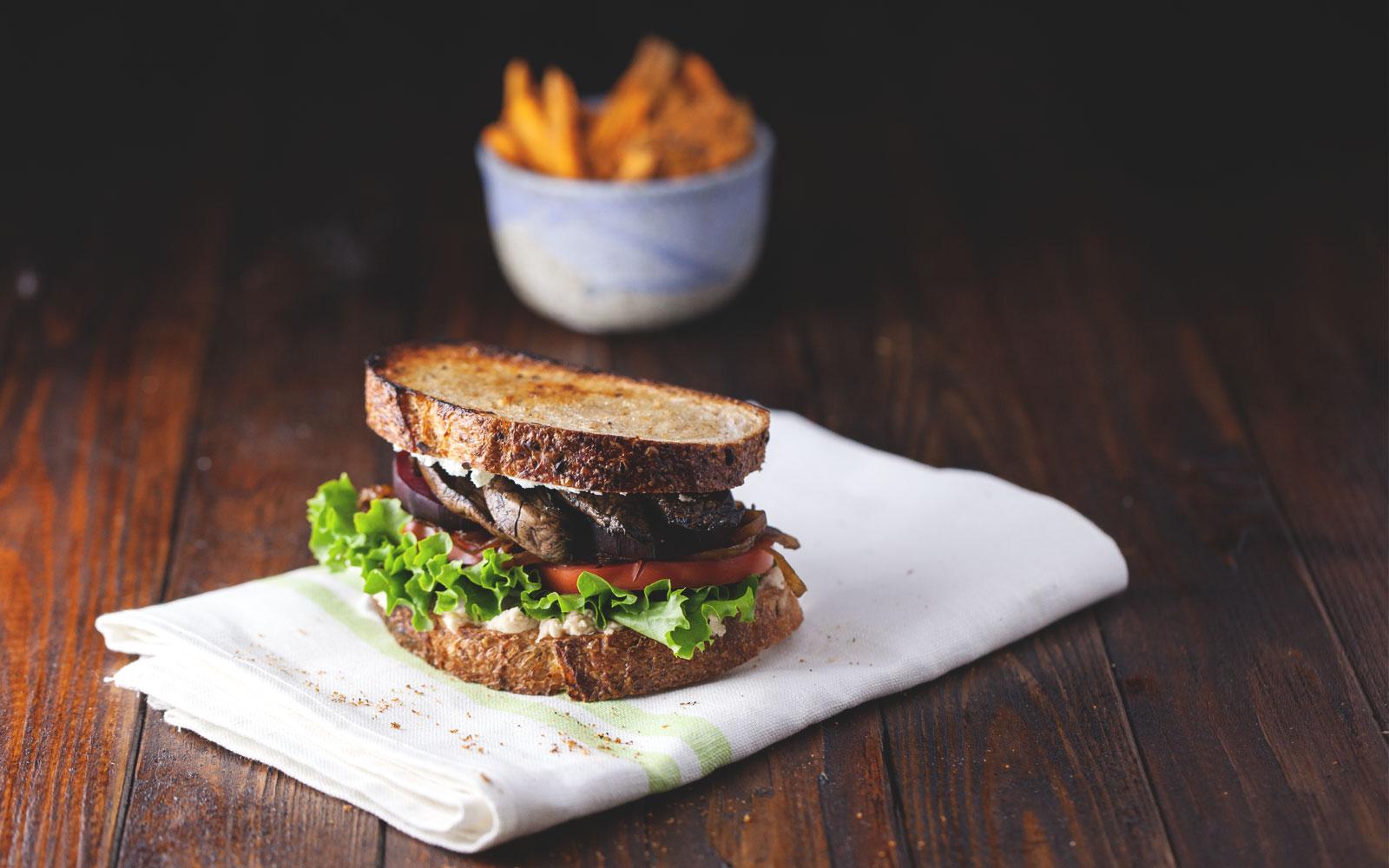 Best Veggie Sandwich Ever // Natural Girl Modern World // Vegetarian & Gluten Free (Option)