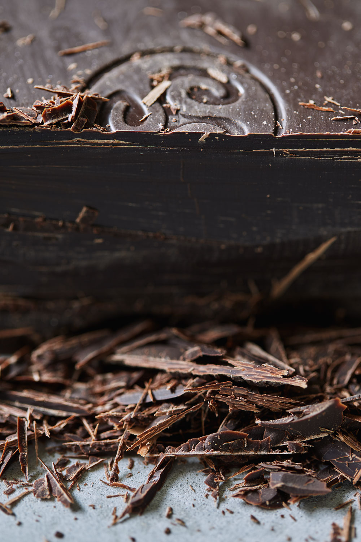 Chocolate Banana Coffee Cake with Walnut Streusel // Natural Girl Modern World // Vegan