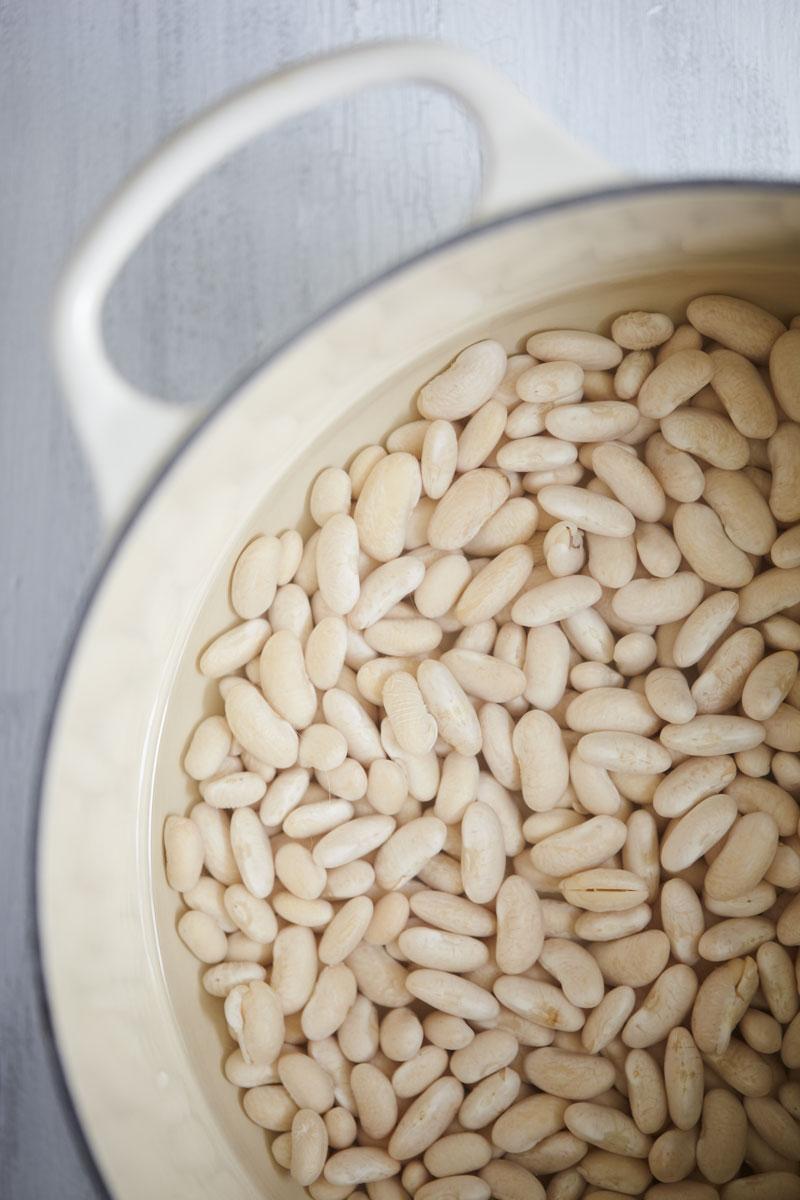 Creamy White Bean Pesto Pasta // Natural Girl Modern World // Vegan & Gluten Free