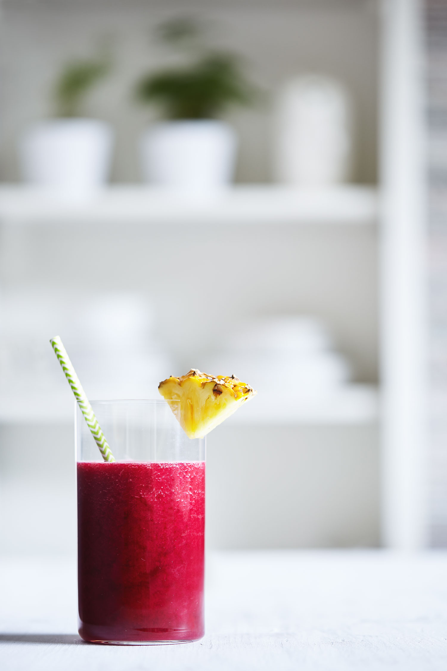 Beet & Pineapple Juice // Natural Girl Modern World // Vegan & Gluten Free