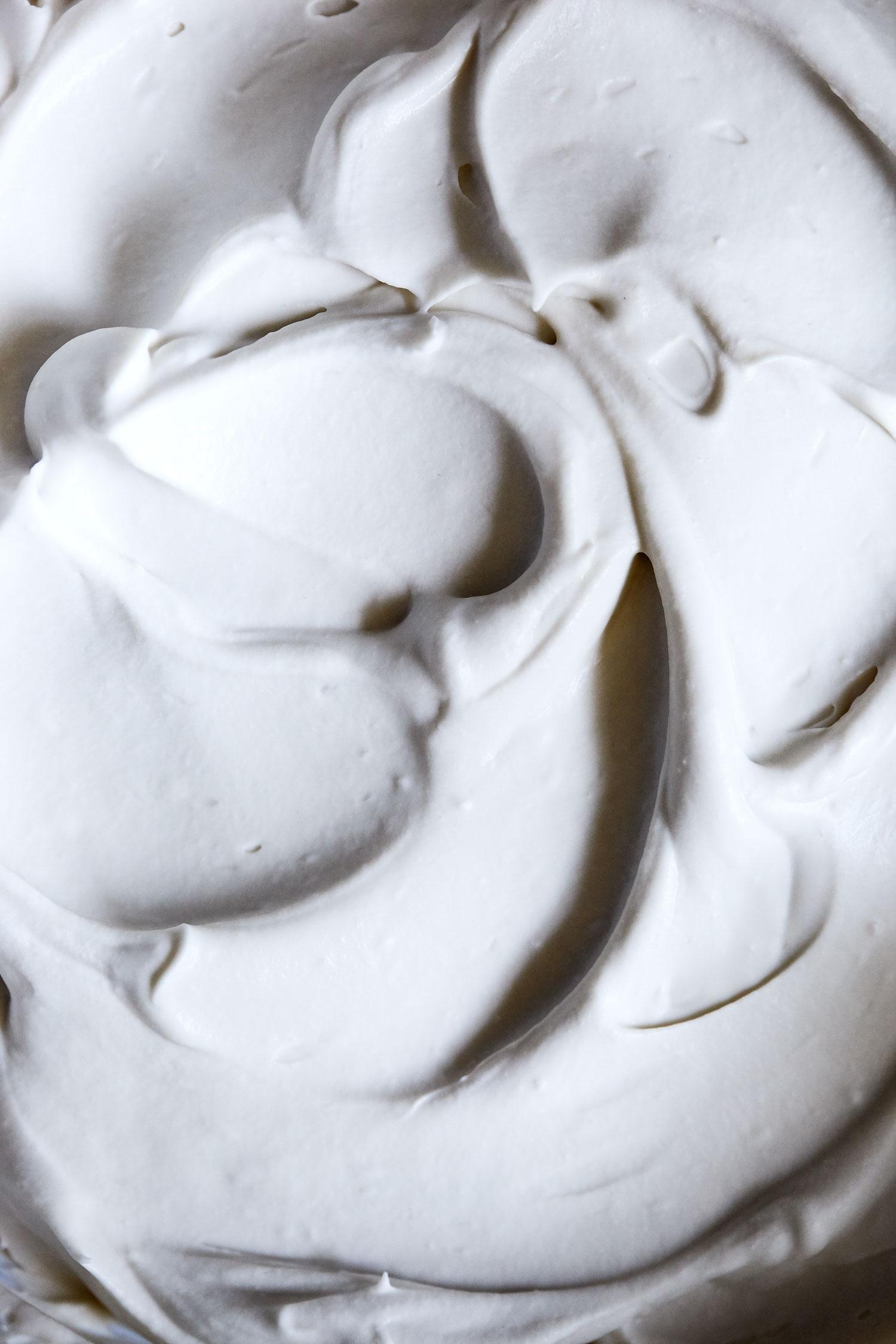 Chocolate Caramel Ice Cream Pizza // Natural Girl Modern World // Vegan & Gluten Free