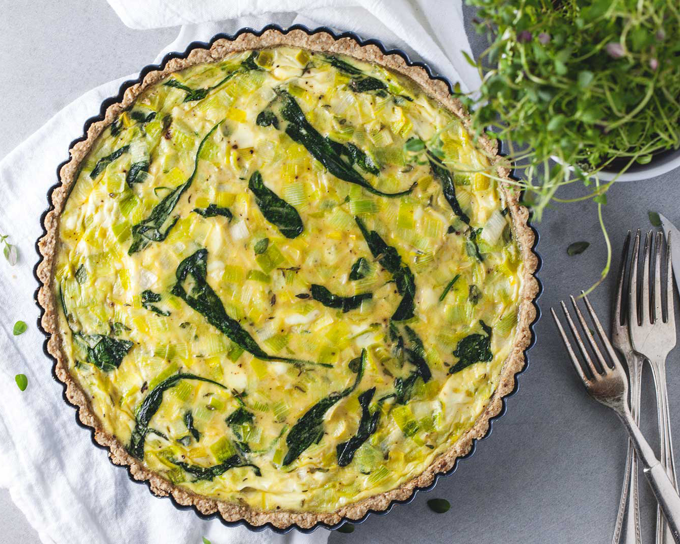 Quiche with Leeks, Thyme and Goat Cheese // Natural Girl Modern World // Vegetarian & Gluten Free