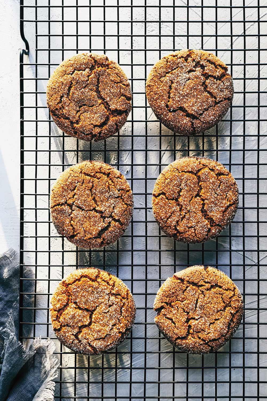 Ginger Molasses Cookies // Natural Girl Modern World // Vegan
