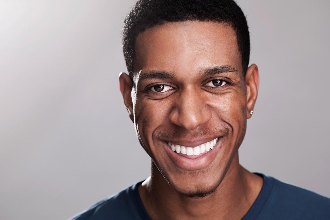 Ron-Villanueva-RonShootsPeople-RedLab-Headshots-Portrait-16.jpg