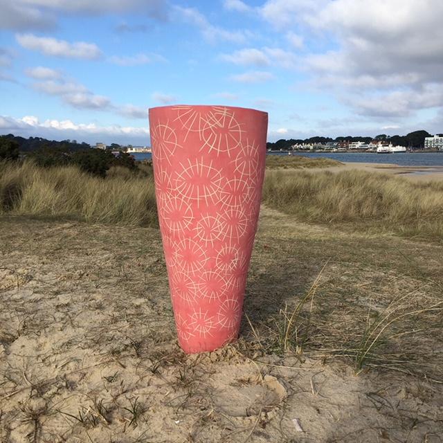 Red pot onthe beach jan2018.JPG