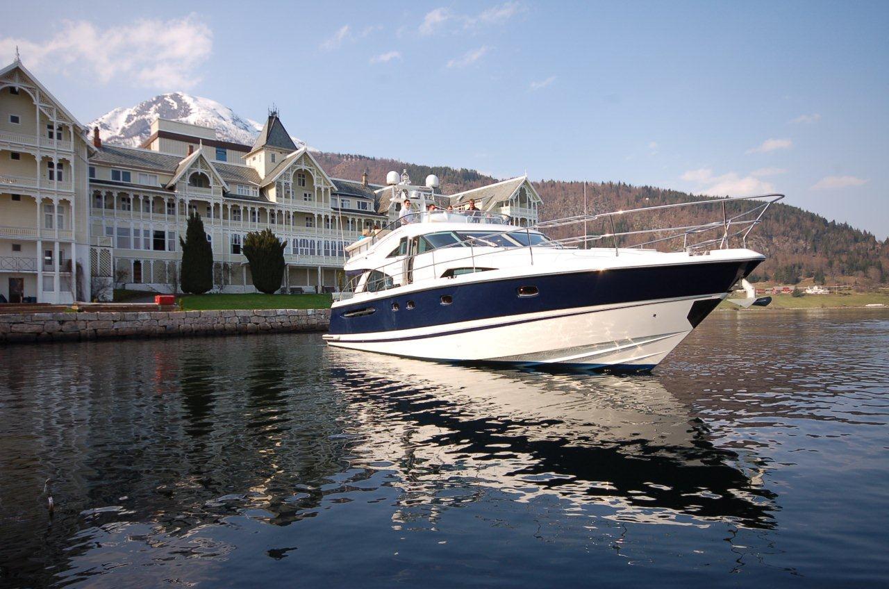 Yacht full size C.jpg